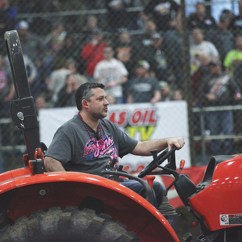 Tony Stewart preps the track before the A Main at The 2016 Chili Bowl. ( Jeffrey Turford / TDP )