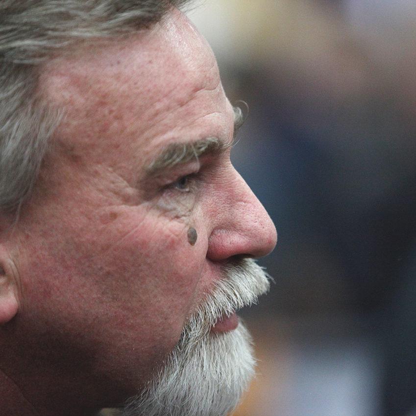 Keith Kunz surveys before The 2016 Chili Bowl. ( Jeffrey Turford / TDP )