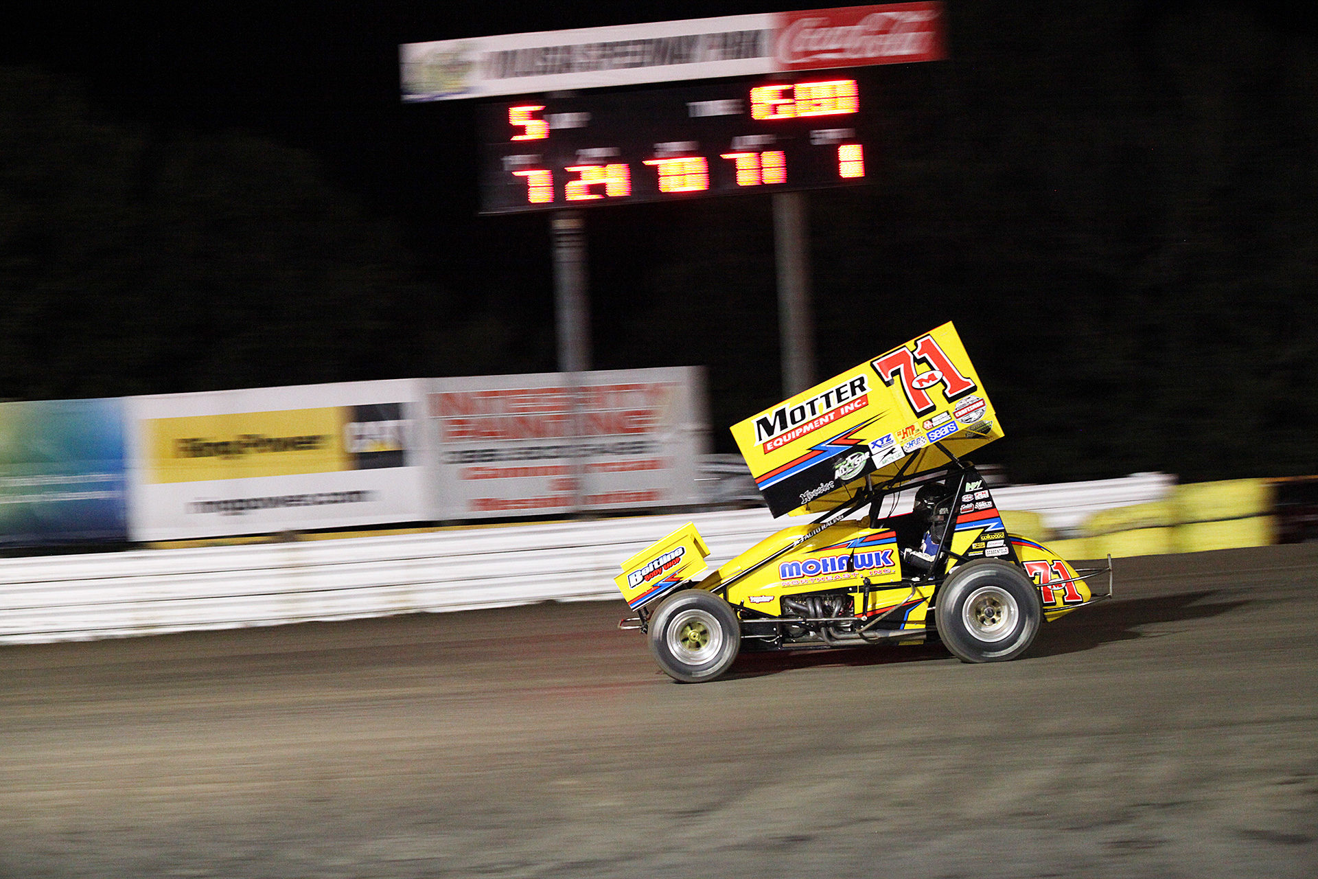 Dave Blaney won the opening race at Volusia Speedway on Thursday night. ( Jeffrey Turford / TDP )