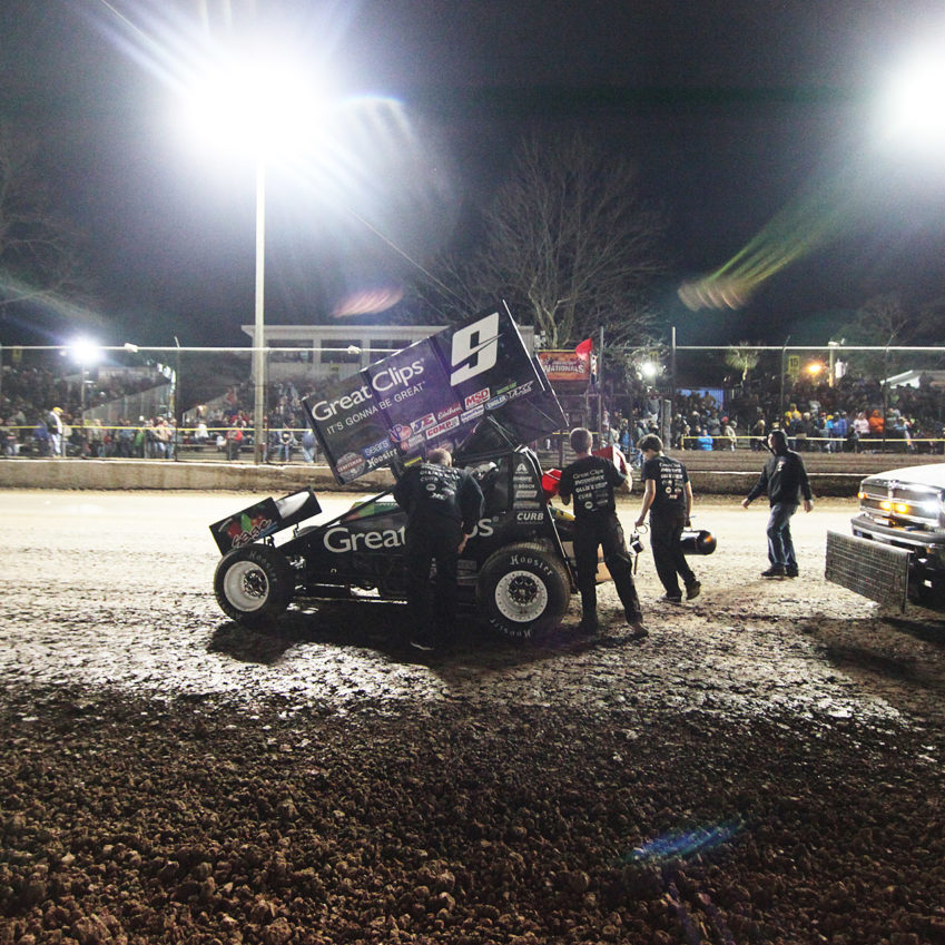 Daryn Pittman uses the red flag to refuel at the DIRTcar Nationals in Volusia, Florida.( Jeffrey Turford / TDP )