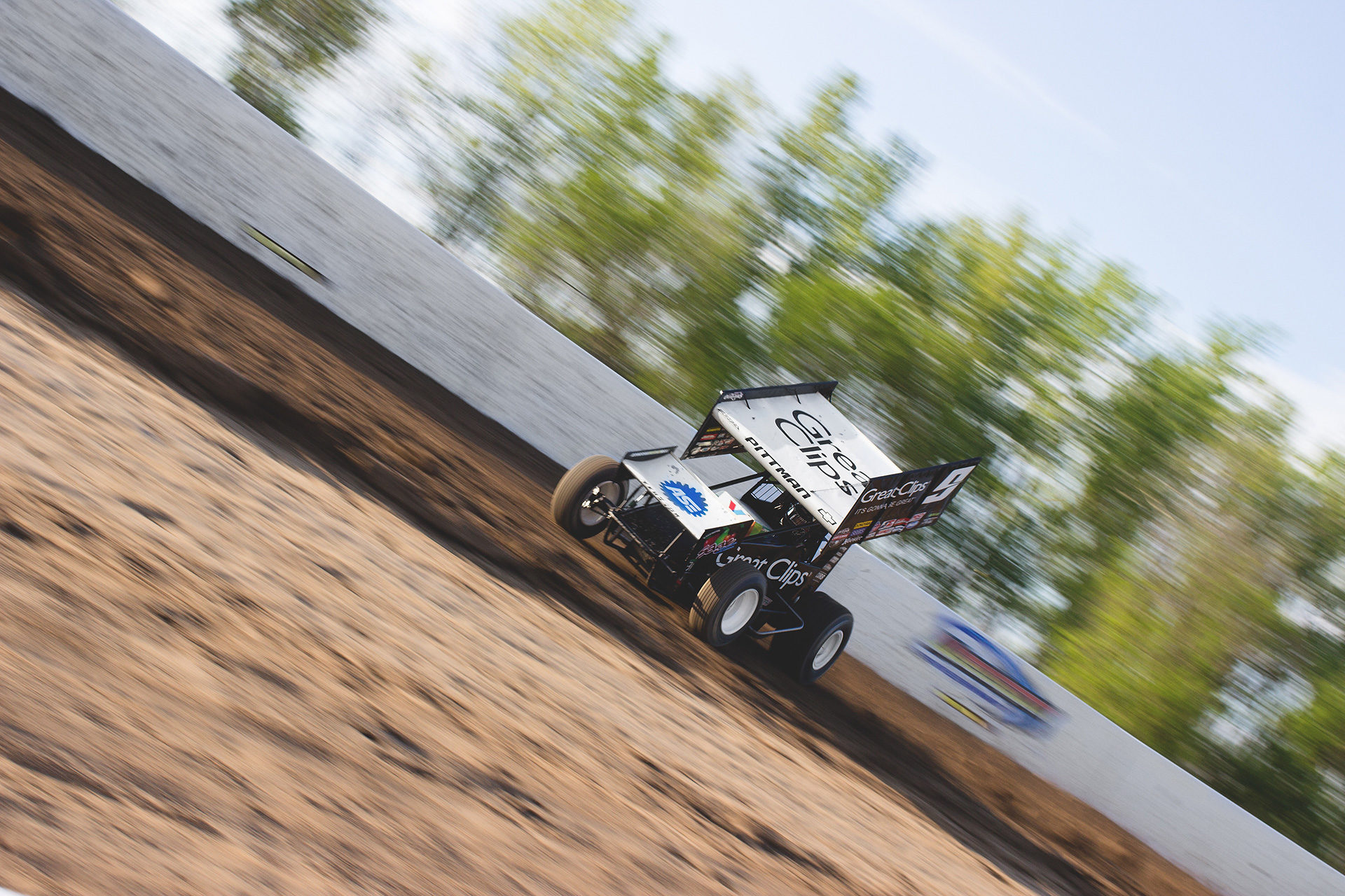 KKR racer; Daryn Pittman goes four wheels in the fluff during The World of Outlaws time trials Weedsport Speedway 2016. Pittman qualified 4th for the feature. ( Jeffrey Turford / TDP )