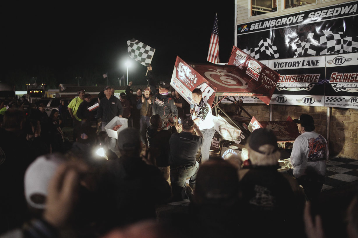 Danny Dietrich passed Dave Blaney on the last lap to win the Arctic Cat All Stars Circuit of Champions event in Selinsgrove–2016. ( Jeffrey Turford / TDP )