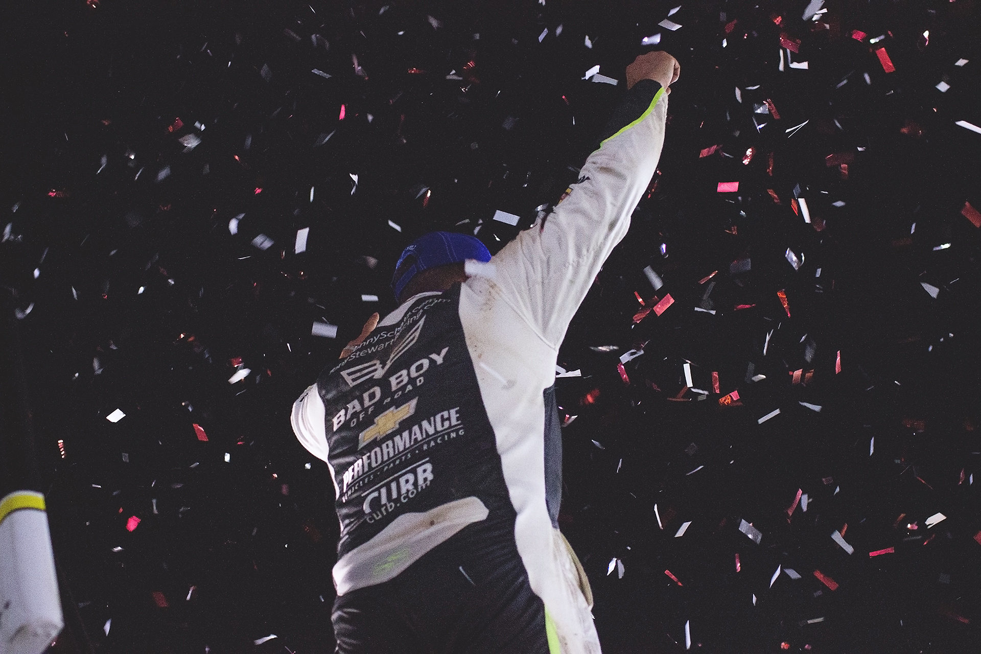 Donny Schatz celebrates his win with The Craftsman World of Outlaws at Weedsport 2016. ( Jeffrey Turford / TDP )