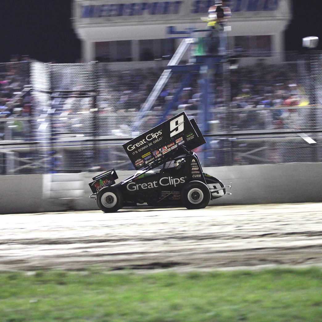 Daryn Pittman on the gas during The World of Outlaws A-Feature at Weedsport Speedway. ( Jeffrey Turford / TDP )