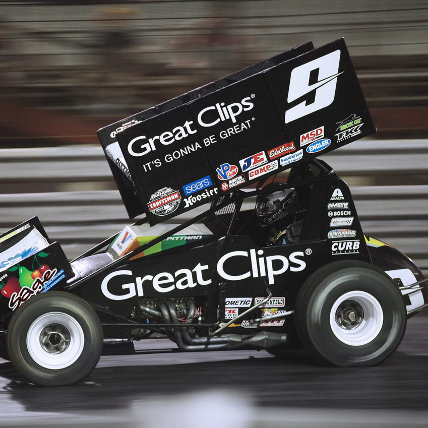 Daryn Pittman and his crew worked hard to get his car back on the track during the red flag. He was able to salvage a 14th place finish. ( Jeffrey Turford / TDP )