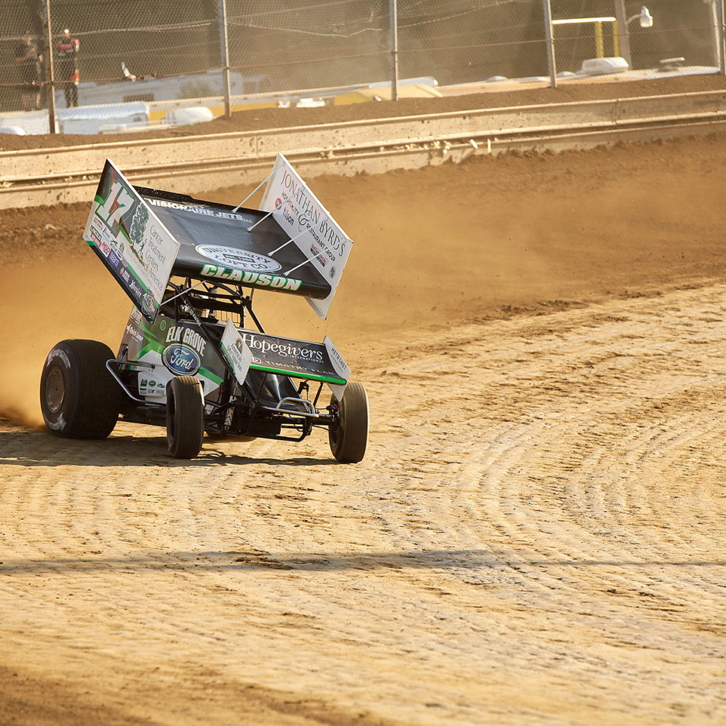 Bryan Clauson is pedal-down through turn 2 securing the 2nd fastest time during qualifying at Sharon Speedway with the ASCoC on Tuesday night. ( Jeffrey Turford / TDP )
