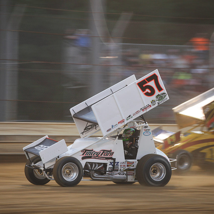 Kyle Larson finished 1st in his heat to transfer to the A Feature. ( Jeffrey Turford / TDP )