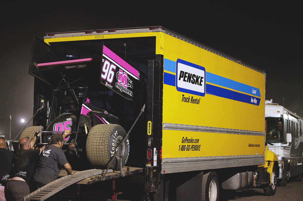 The No. 96 MSE Engineering team of Andrew Caruana doing whatever it takes to run Ohio Speedweek with the ASCoC on Tuesday night at Sharon Speedway. ( Jeffrey Turford / TDP )