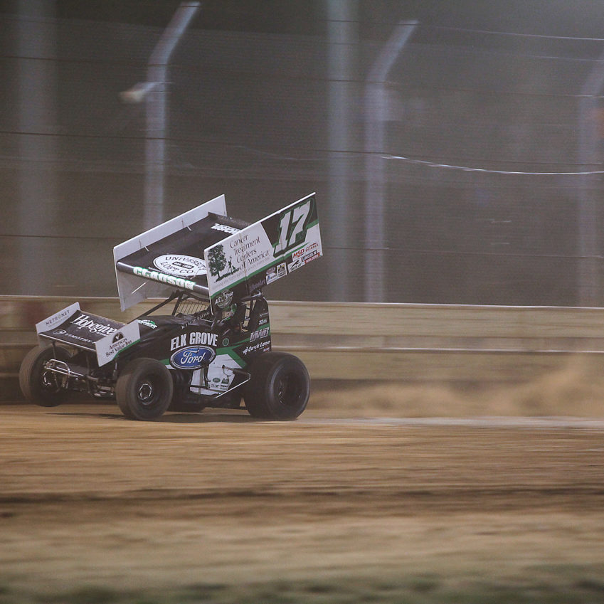 Bryan Clauson leading the A Feature for-the-win on Tuesday night. ( Jeffrey Turford / TDP )