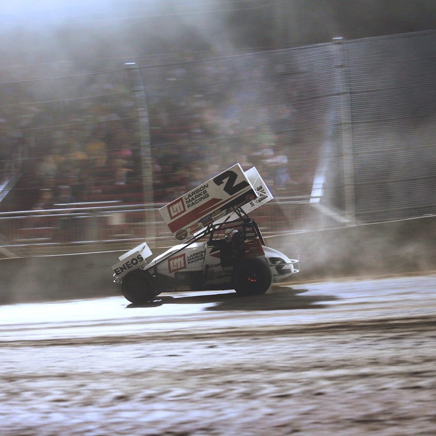 Shane Stewart and Rico Abreu traded the lead a few times before the no.2 prevailed at Lawrenceburg Speedway, IN. ( Jeffrey Turford / TDP )
