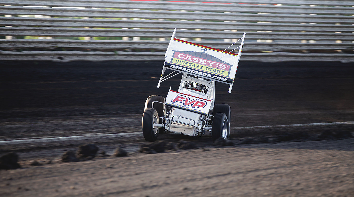 Brian Brown flies through turn 3 at Knoxville Raceway during Qualifications. (Jeffrey Turford / TDP)