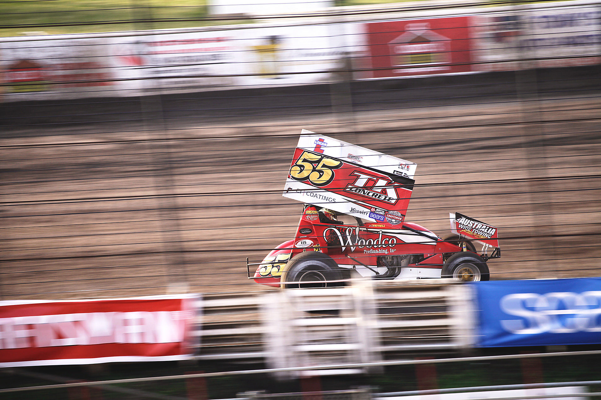 Australian favorite Brooke Tatnell and his sharp #55 have been strong in weekly competition at Knoxville. Tatnell scored at 10th place finish during the feature at Knoxville on Saturday night with The World of Outlaws. ( Jeffrey Turford / TDP )