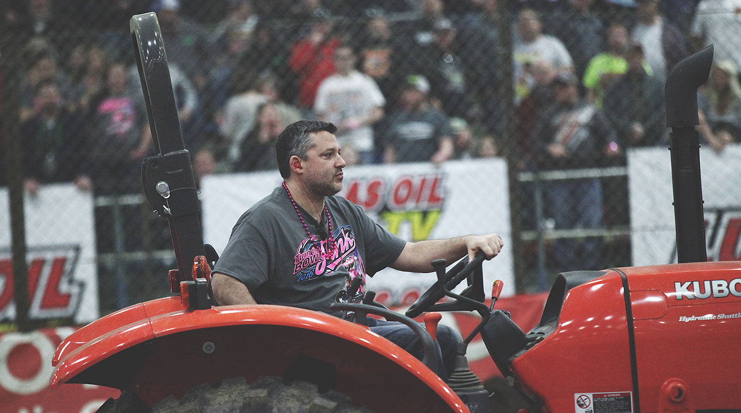 Tony Stewart played a major role in eventually getting the contracts sorted. (Jeffrey Turford / TDP)
