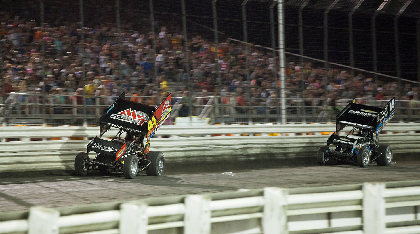 Jason Johnson drives away with The 2016 Knoxville Nationals. (Jeffrey Turford / TDP)