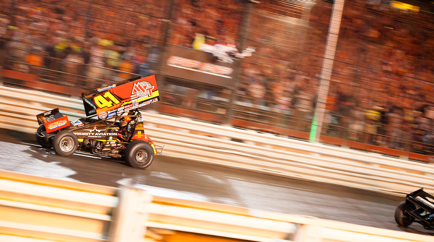 Jason Johnson crosses the finish line to win The 2016 Knoxville Nationals. (Jeffrey Turford / TDP)