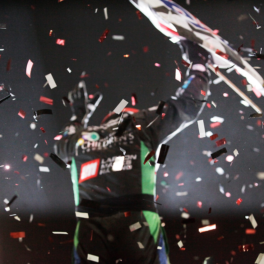 Shane Stewart wins night 1 of The 2016 Knoxville Nationals ( Jeffrey Turford / TDP )