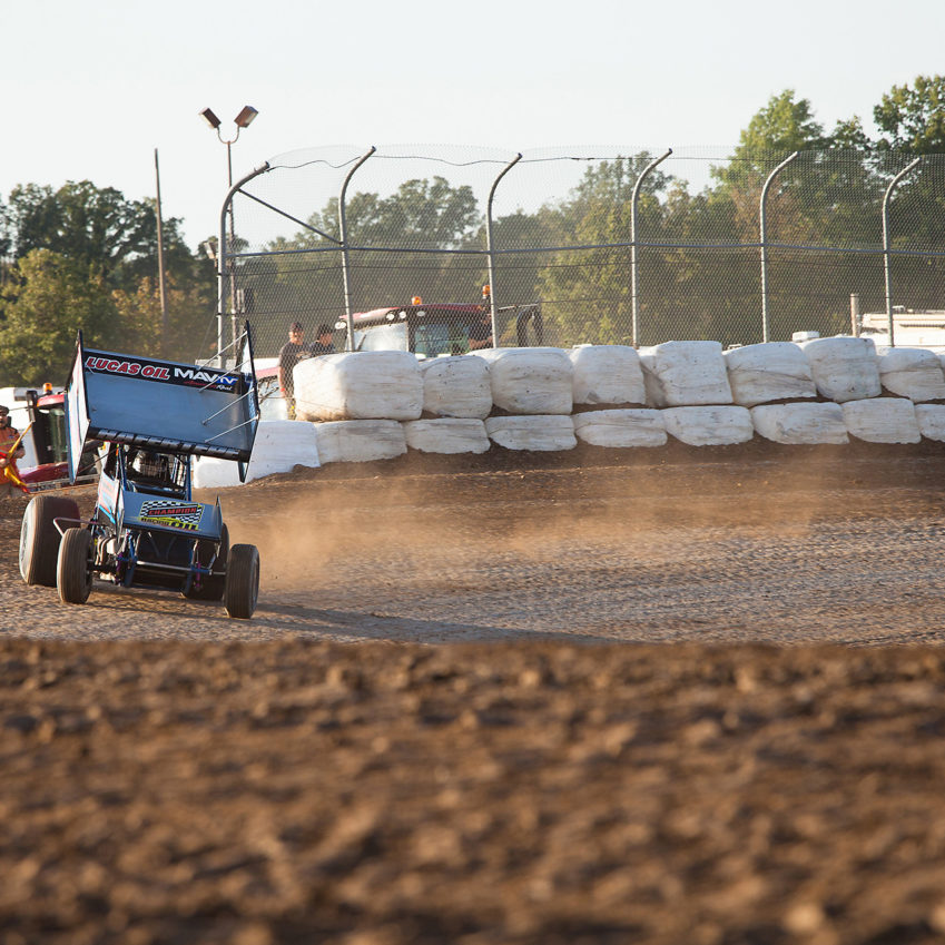 Sam Hafertepe Jr. on the gas through turn 3 at the 2016 Canadian Sprint Car Nationals