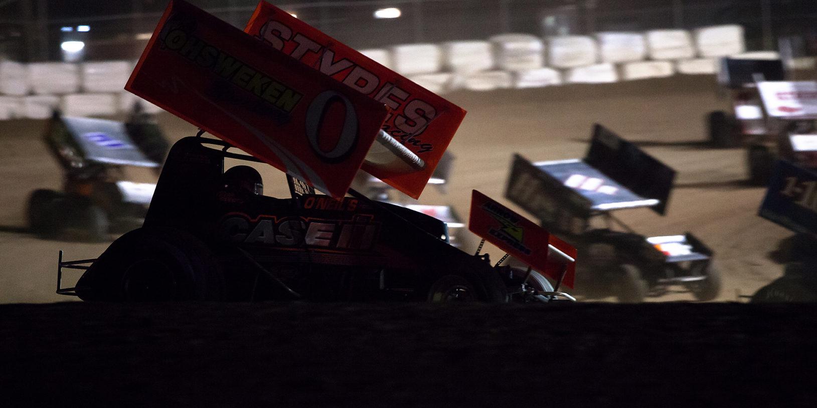 No.0 Glen Styres runs the top at Ohsweken Speedway