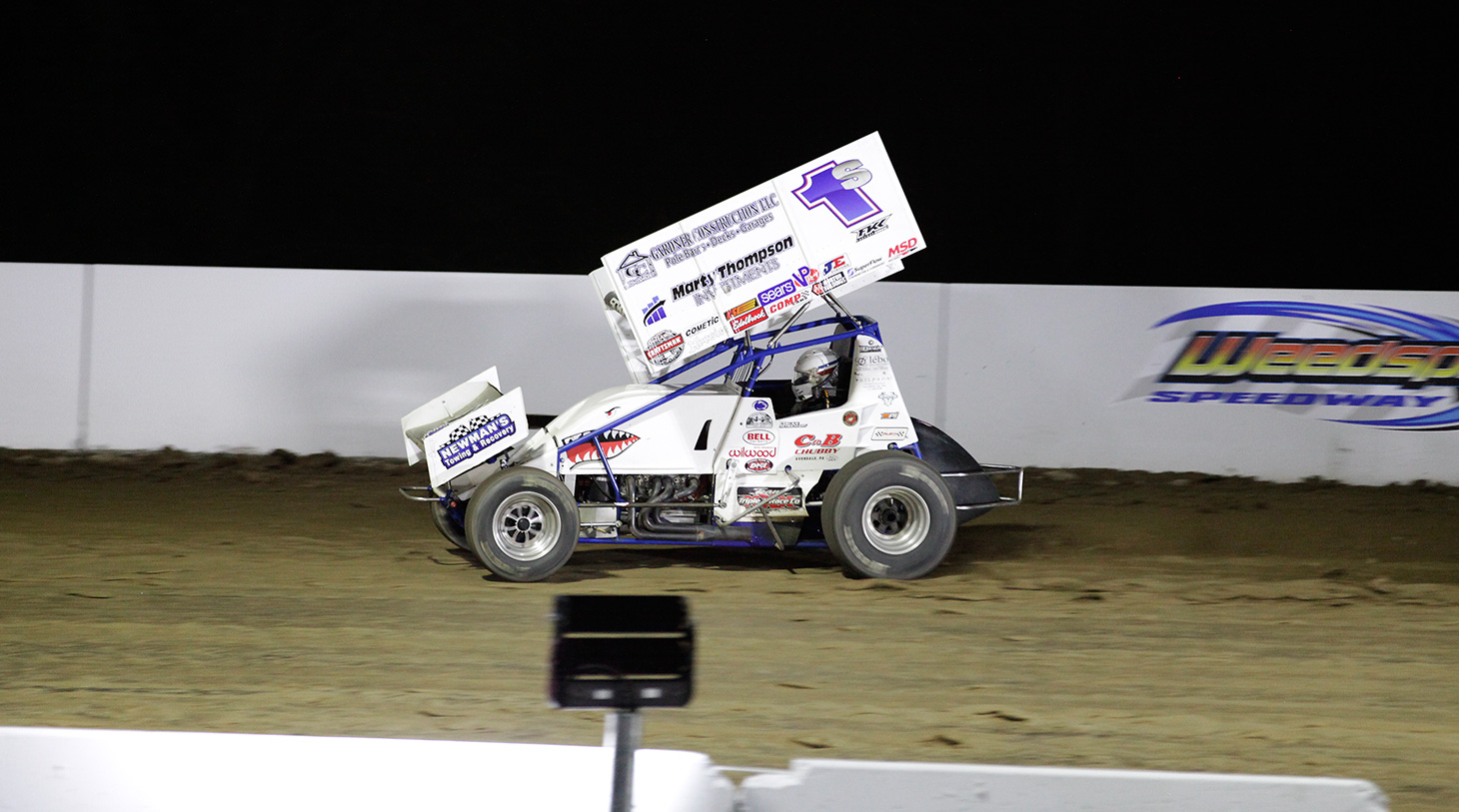 Logan Schuchart leading the 2016 A Main at Weedsport Speedway with the World of Outlaws. (Jeffrey Turford / TDP)