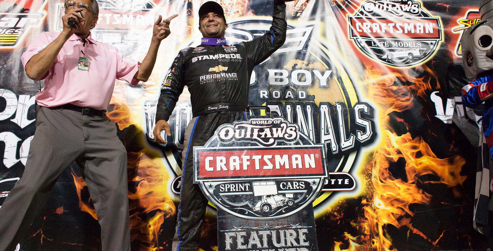 Donny Schatz wins the A main on Saturday, Day 3 of The Bad Boy Off Road World of Outlaws World Finals at The Dirt Track at Charlotte in Charlotte, North Carolina in 201. Donny Schatz started 5th and quickly rose to 1st. Schatz held on and never looked backed, to pick up his 25th win of the year.( Jeffrey Turford / TDP )