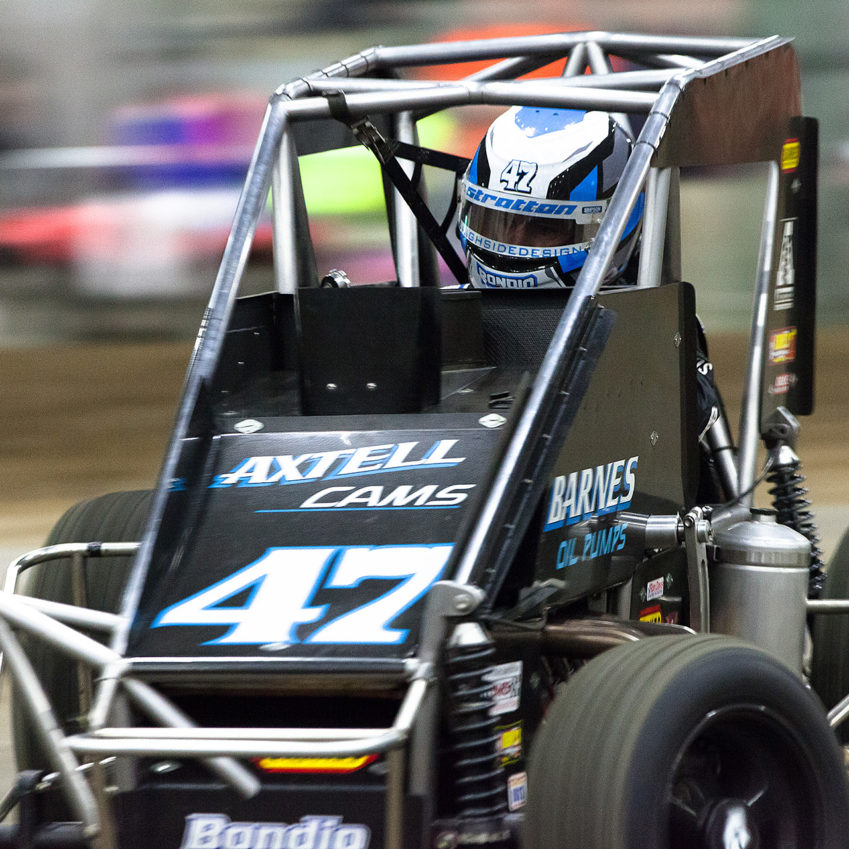 Friday January 13, 2017 TULSA, Oklahoma - Danny Stratton angles hard into turn 3 during Round 6 of the Pole Shuffler on Vacuworx Qualifying Night of The 31st annual Lucas Oil Chili Bowl Nationals presented by General Tire ( Jeffrey Turford / TDP )