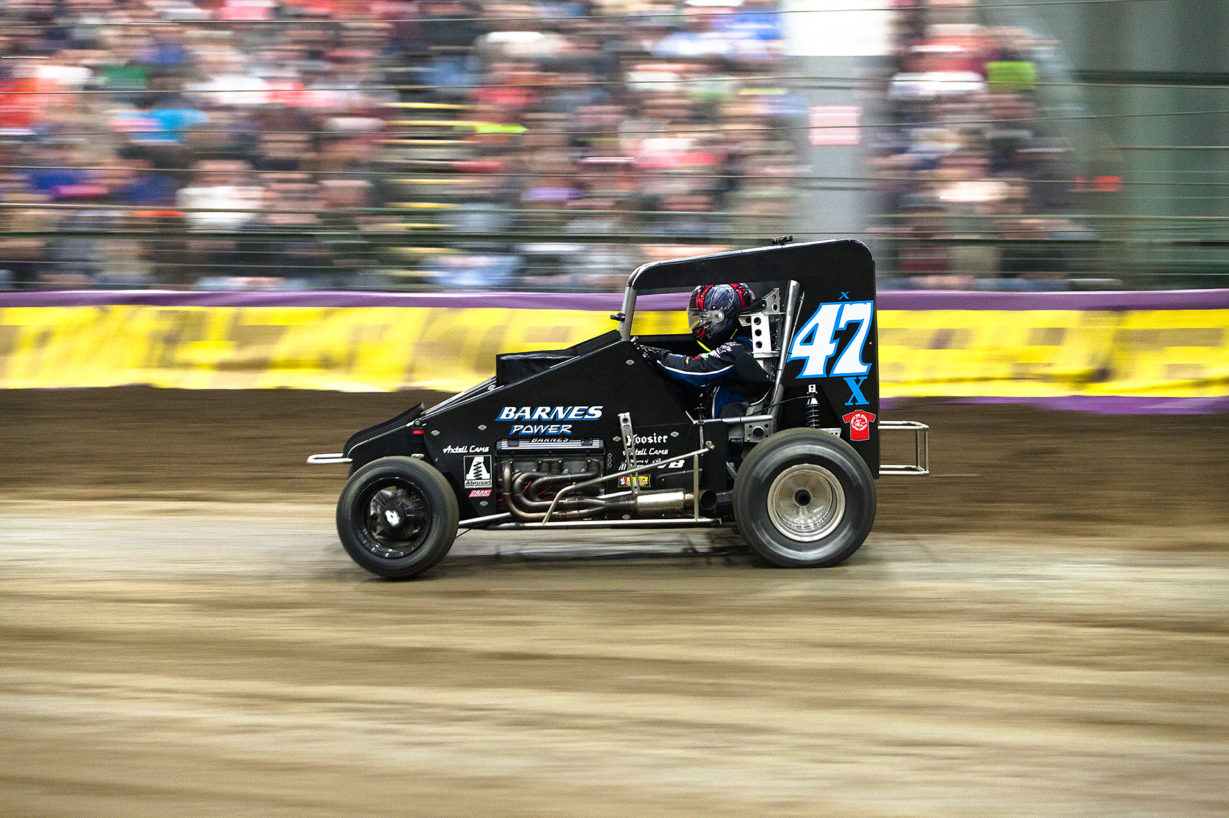 Friday January 13, 2017 TULSA, Oklahoma - Tim McCreadie on the gas out of turn 2 at Tulsa Expo Raceway on Vacuworx Qualifying Night of The 31st annual Lucas Oil Chili Bowl Nationals presented by General Tire ( Jeffrey Turford / TDP )