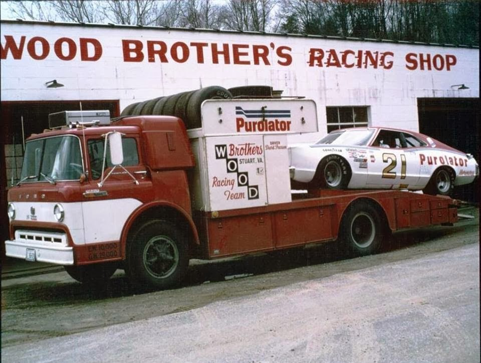 The Wood Brother's Hauler ready to roll mid 1970'S. (Public Domain / Pinterest)