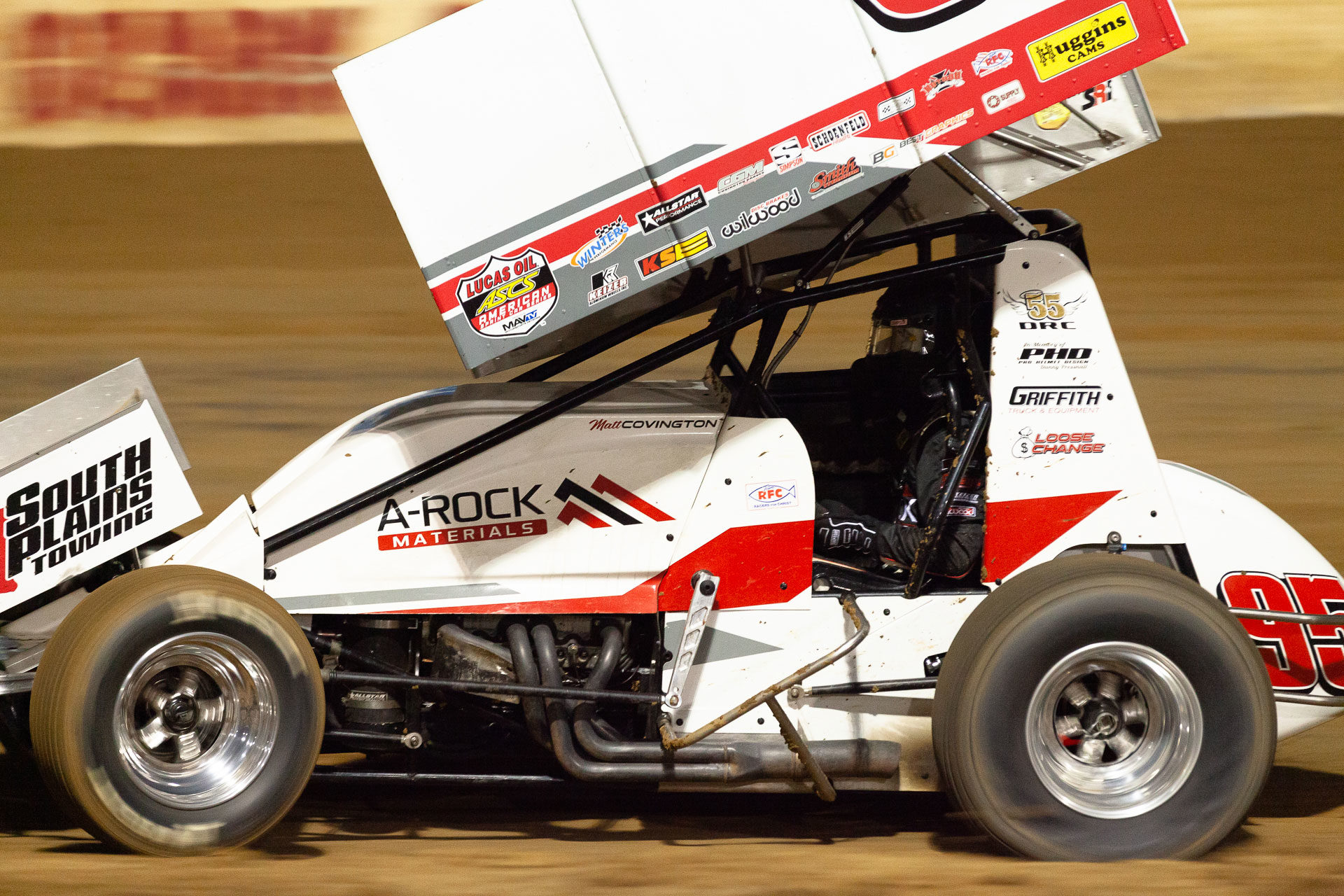 No.95 Matt Covington running hard out of turn 2 at Lake Ozark Speedway during the ASCS 360 Sprint Car A Feature on night 1 of the Memorial Weekend Sprint and Midget Nationals presented by The Drivers Project. ( Jeffrey Turford / TDP )